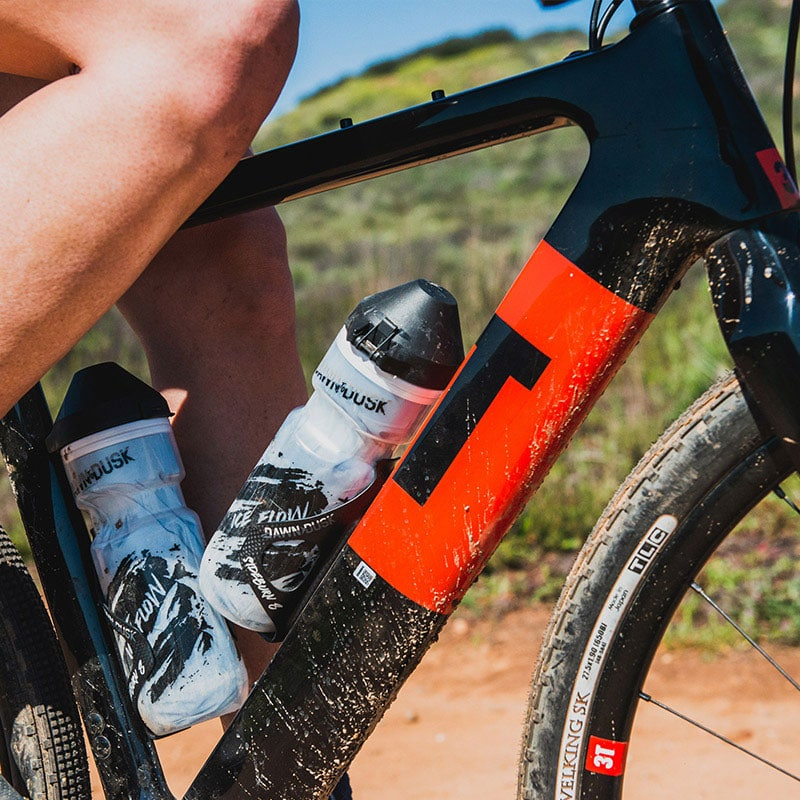 Sideburn-8-cage-mountain-gravel-road-bike-cycle-cycling-water-hydration-bottle-grip-retention-secure-holder-6